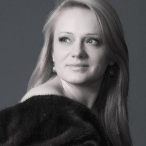 Anna (43 years old) | ID 006