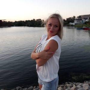 Elena (39 years old) | ID 015