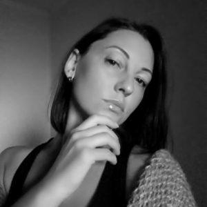 Julia (39 years old) | ID 034