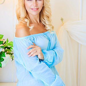 Elena (43 years old) | ID 038