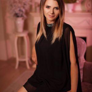 Elena (42 years old) | ID 053